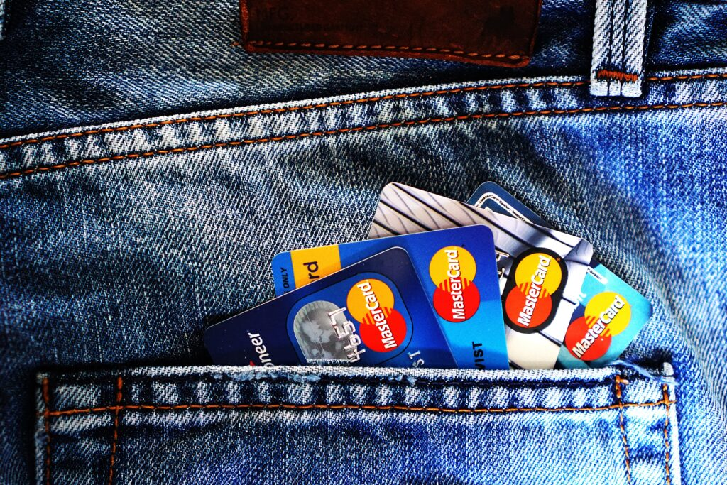 jean pocket wtih 4 credit cards - Running a Tenant Credit Check – why and how?